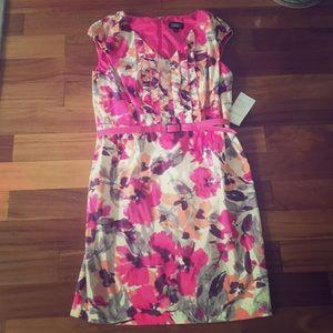 Never worn Adrianna Papell dress
